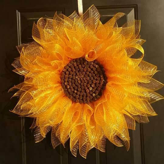 Virtual Sunflower Wreath Class 6:00 pm with Ridgewood Winery